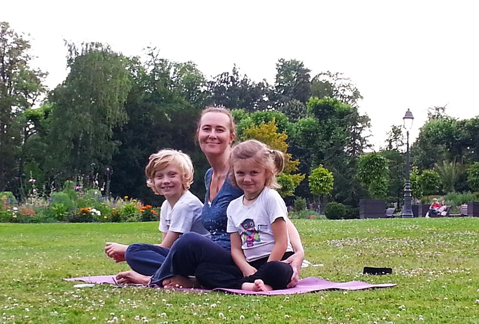 Homme et enfant - Actus yoga Attitude Yoga - Strasbourg, Alsace
